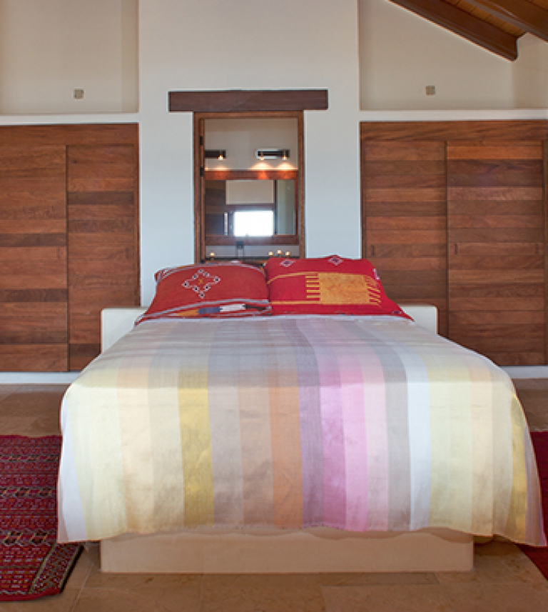 Every room in the vacation rental has a queen sized bed.
